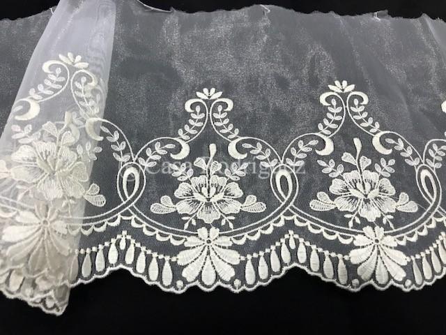 Encaje blanco 012 (30cms)
