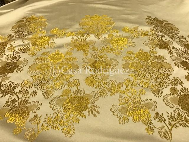 Corte de saya blanco y oro