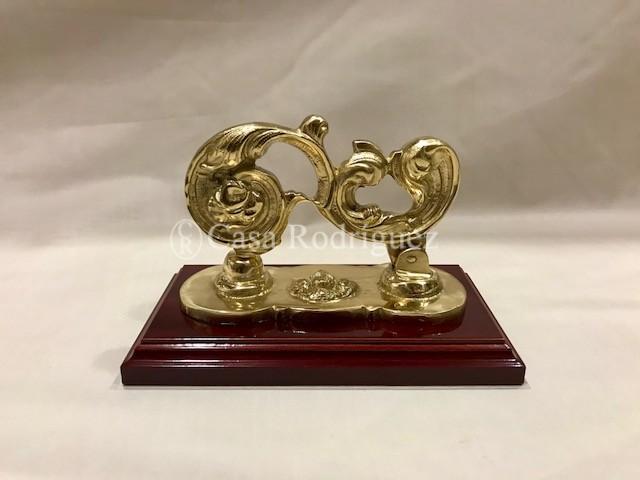 Llamador dorado (15cms x 12cms)