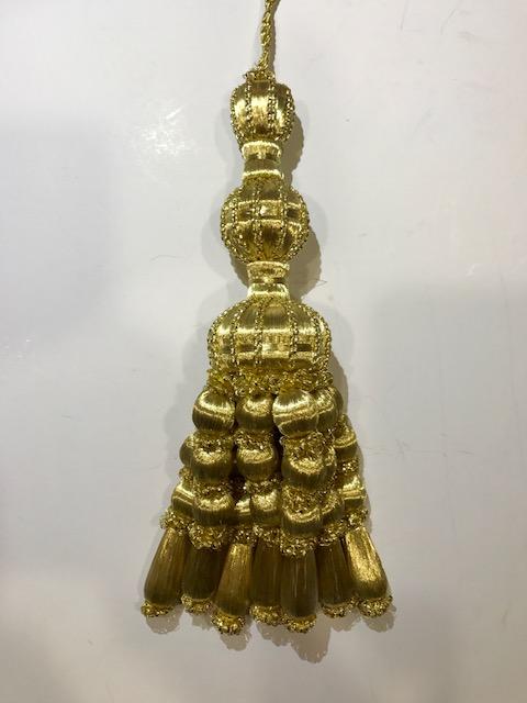 Borla oro entrefino y bellotas (30cms)