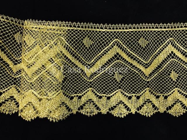 Encaje dorado ancho (18cms)