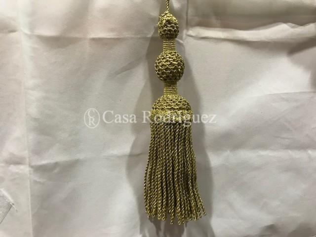 Borla dorada con malla (30cms)