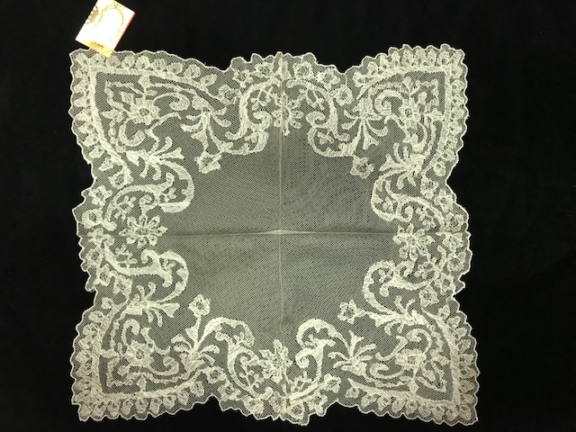 Pañuelo de tul cristal puntas crudo (0,40 x 0,40)
