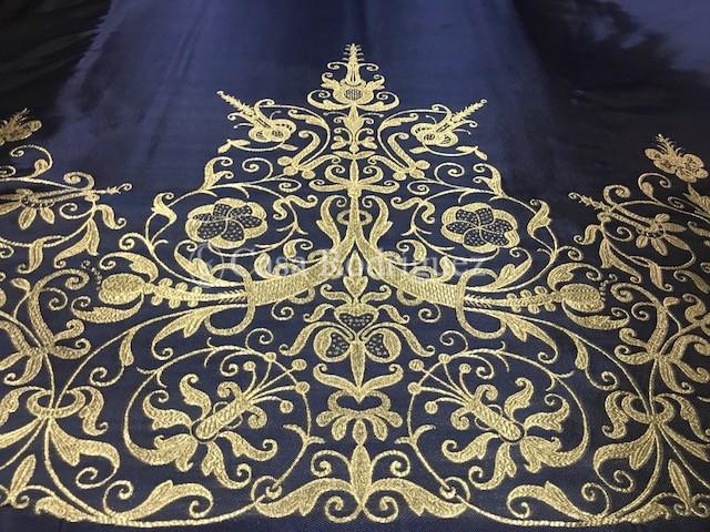 Corte de saya azul persa y oro