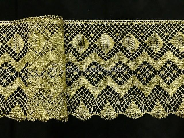Encaje dorado ancho conchas (18cms)