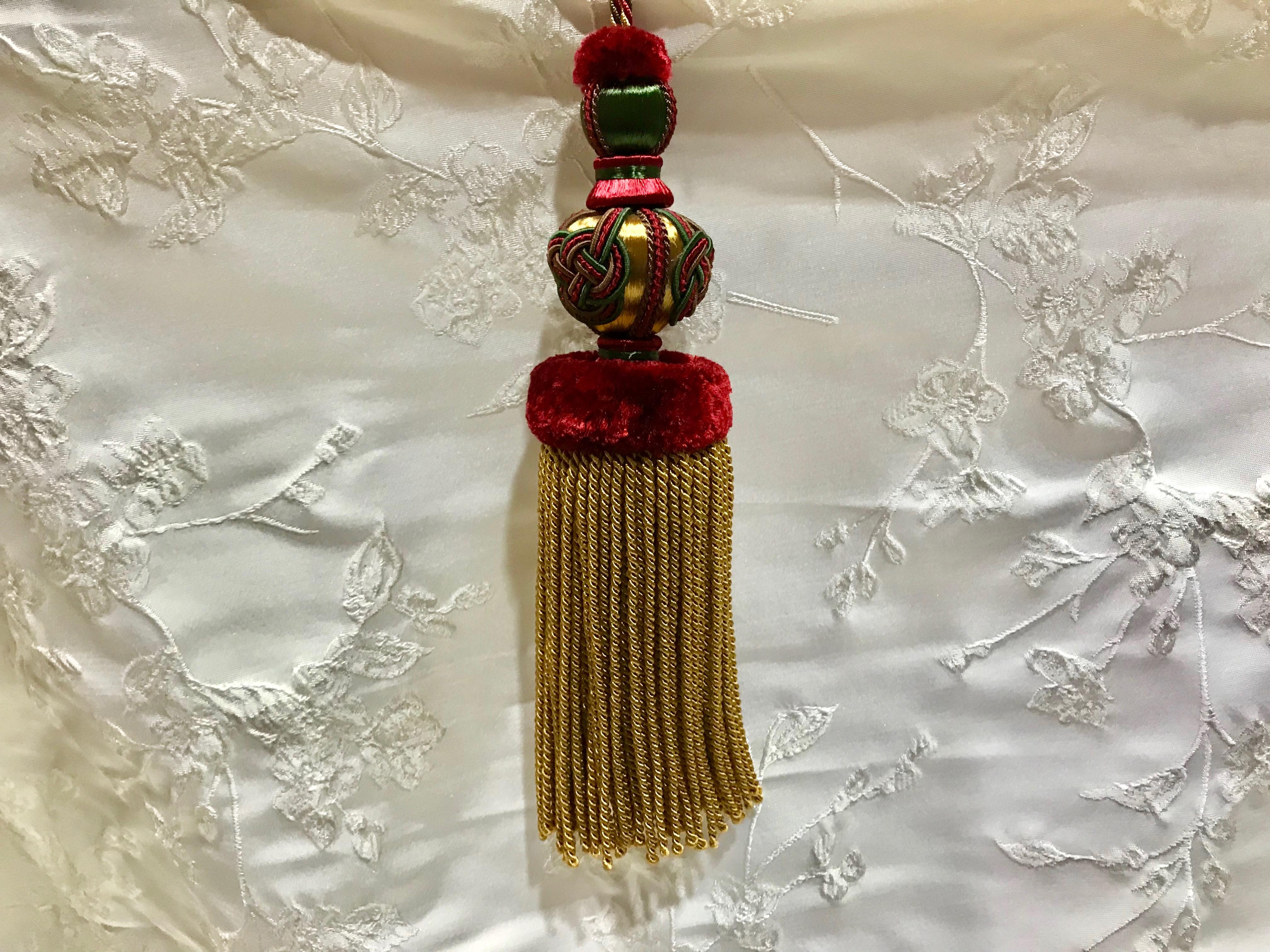 Borla de seda en amarillo y rojo (30cms)