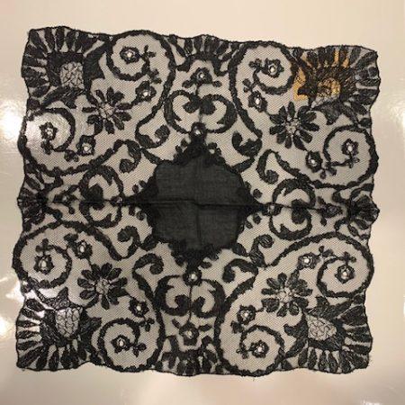 Pañuelo de tul negro